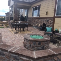 1607D - Stone Firepit Green Lava Rocks Seat Wall Paver Patio