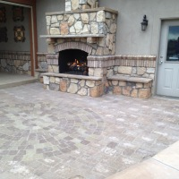 1608H - Stone Fireplace and Paver Patio with Circle Pack